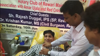 Rotary club of Rewari Main in association with Amar Ujala organized a blood donation camp at Civil Hospital, Rewari